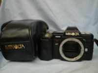 * AUTOFOCUS* Minolta 7000 SLR Camera Cased + AA Battery Holder £9.99